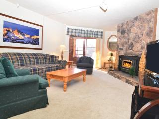 Aspen Creek 104 - Mammoth Condo - Near Eagle Lift - Mammoth Lakes vacation rentals