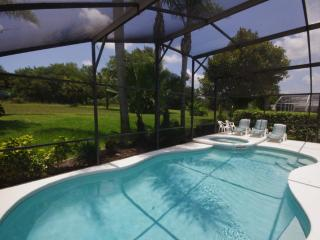 Sunny Oaks Poolside. Relaxing, Quiet, peaceful...... - Kissimmee vacation rentals