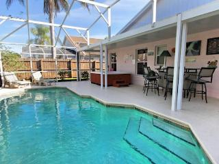 Luxury 4 bed Pool Home in Kissimmee, Florida with a HOT TUB . - Kissimmee vacation rentals
