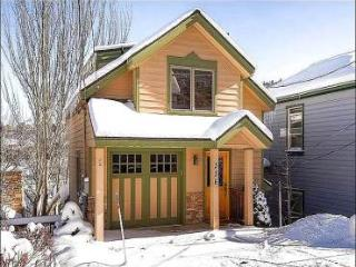 Convenient to All of Historic Mainstreet - Fireplace in Master Bedroom (25404) - Utah Ski Country vacation rentals
