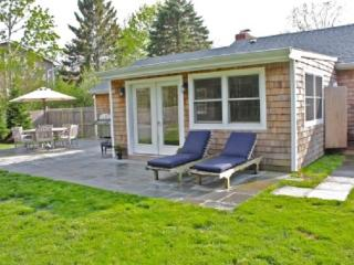 4BR Southampton Home with Long Jacuzzi sleeps 10, 3 min to village & Beach - Hamptons vacation rentals