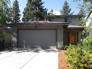 Location, location! Just across from Farewell Bend Park, bring the bikes! - Bend vacation rentals