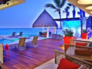 Oceanfront Villa Mateo- private beach access, infinity pool- jacuzzi - Cabo San Lucas vacation rentals