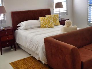 4 Bedroom, spacious upmarket holiday house - Paternoster vacation rentals