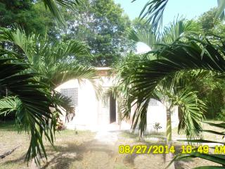 Charming Cottage for Rent - 650.00/U.S. Corozal, Belize - Corozal vacation rentals