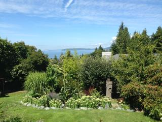 Views and serenity just 20 min. north of Seattle - Edmonds vacation rentals