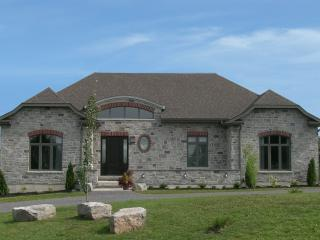 Luxury Vacation Home, Pool Table, Movie Room, Outdoor Volleyball - Picton vacation rentals