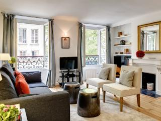 Apartment Borda holiday vacation short term long term apartment rental france, paris, 3rd arrondissement, large parisian apartme - Ile-de-France (Paris Region) vacation rentals