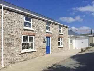 HILLBROOK HOUSE, seaside cottage, private annexe, pet-friendly, close coast path, Nolton Haven Ref 30296 - Pembrokeshire vacation rentals