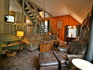 Sunset Lodge - passes to private beach clubs - Lake Arrowhead vacation rentals