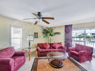 Quiet and Cozy, Best Deal on the Island! - Pensacola Beach vacation rentals