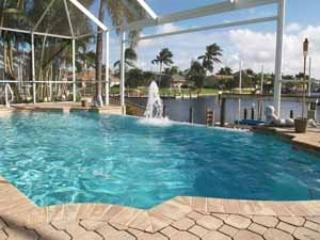 Villa Central - Cape Coral 3b/3ba home w/electric heated pool/spa, gulf access canal, HSW Internet, Boat Dock, 2 Kayaks, 2 Bikes - Florida South Central Gulf Coast vacation rentals