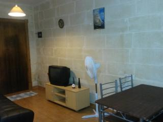 Bugibba central apt free arrival transport and wifi - Island of Malta vacation rentals