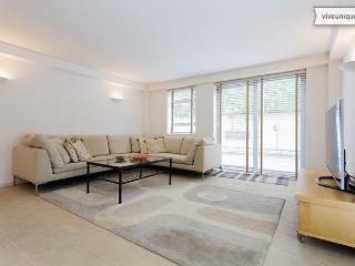 3 Bedroom Flat, Camden - York Way - London vacation rentals