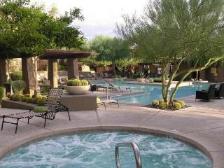North Scottsdale Grayhawk Condo - 3 Bedroom, 2 Bath, Top Floor, Overlooking Pool - Scottsdale vacation rentals