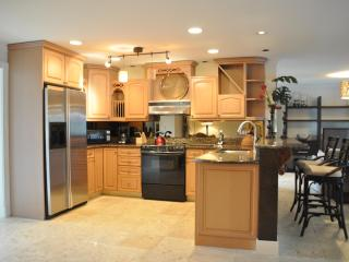 Goldcoast Ct - GOLD594 - Gorgeous Waterfront Home! - Marco Island vacation rentals