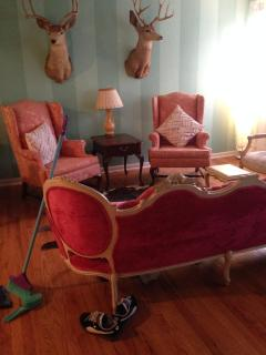 Eclectic 1 BD in Lincoln Square! - Chicago vacation rentals