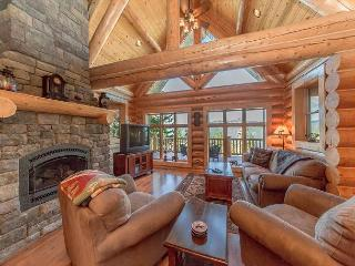 Eagle's Nest Overlooking Lake Cle Elum!  4BR Log Home | Fall Specials! - Ronald vacation rentals