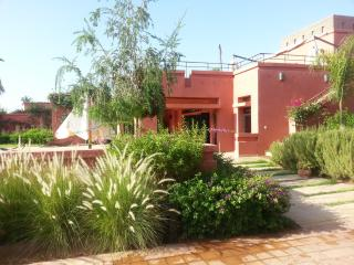 Bright apartment in Marrakech with balcony and view of the garden and mountain - Morocco vacation rentals