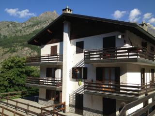 Apartment in Valtournenche (Italy) with view of the mountain - Valle d'Aosta vacation rentals
