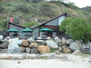 779/The Waves *BEACH FRONT* - Central Coast vacation rentals
