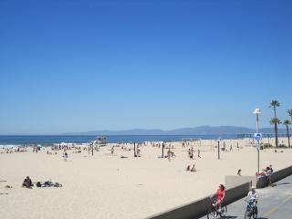 HBA On the Strand! Sun, Sea and Fun! Short Walk to Hermosa Pier - Los Angeles County vacation rentals