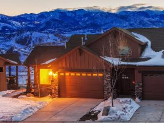 Black Rock 3 in Park City Ski Getaway with 3 Bedrooms, Sleeps 6, and Private Hot Tub - Park City vacation rentals
