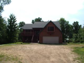 Sunrise Cove on Lake Petenwell, 45 min to WI Dells - Necedah vacation rentals