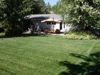 Well located, stylish, comfy, quiet, 1700 sf home! - Medford vacation rentals