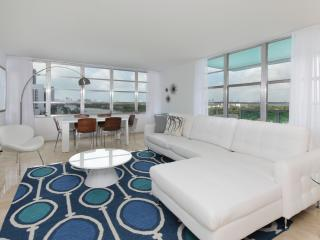 Art Deco Style 2 Bedroom Apartment in Miami Beach - Florida South Atlantic Coast vacation rentals
