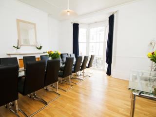 LUXURY GROUP BREAKS self catering Holiday Brighton - Brighton vacation rentals