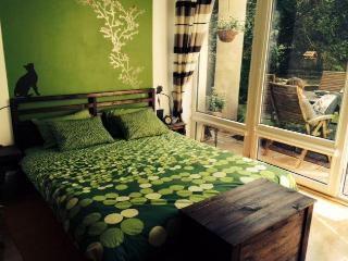 Lovely Garden Flat next to Royal Parka nd Royal Route - Warsaw vacation rentals