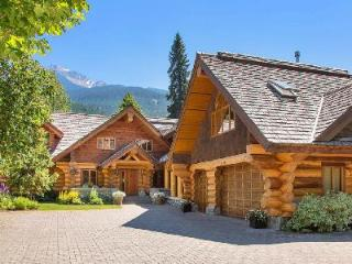 Spacious Creekside Villa with tennis, jacuzzi & sauna - Whistler vacation rentals