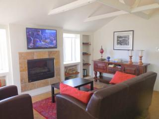 Two Bedroom Two Bath with Winter 2014 dates still available - Tucson vacation rentals