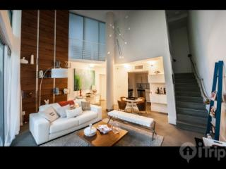 Luxurious 2 bedroom apartment in the heart of South Beach - Miami vacation rentals