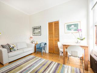 Peaceful and charming 1 bedroom apartment- Holland Park - London vacation rentals