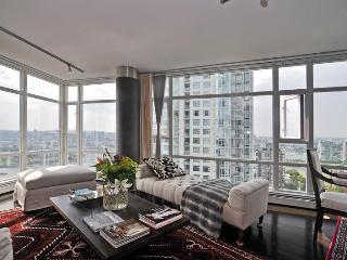 Vancouver Two bedroom condo with spectacular water and marina views - Vancouver Coast vacation rentals
