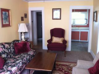 Beautiful Large One Bedroom Apt. - Coos Bay vacation rentals