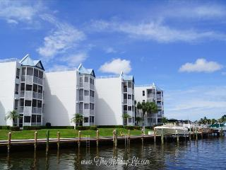 GRAND BAY - Light and Beachy Waterfront Condo - Florida South Gulf Coast vacation rentals