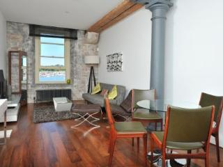 6 Mills Bakery Royal William Yard Plymouth PL1 3GD  (Drakes Wharf) - One bed sea view stylish apartment sleeping 2-4 - Plymouth vacation rentals