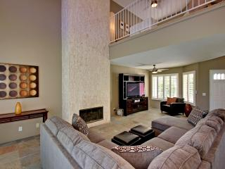 Gorgeous 2,236 sq. ft. townhouse in Desert Falls CC - Palm Desert vacation rentals