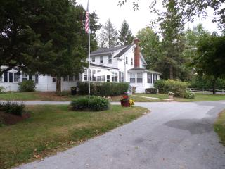 Historic White Blossom House 1830  -  Upstairs Apartment - Southold vacation rentals