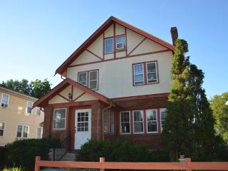 Central located 3 story house - Minnesota vacation rentals