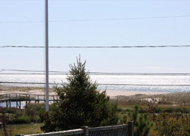 Chatham Vacation home, only 0.1 miles to Ridgevale Beach! - Image 1 - Chatham - rentals