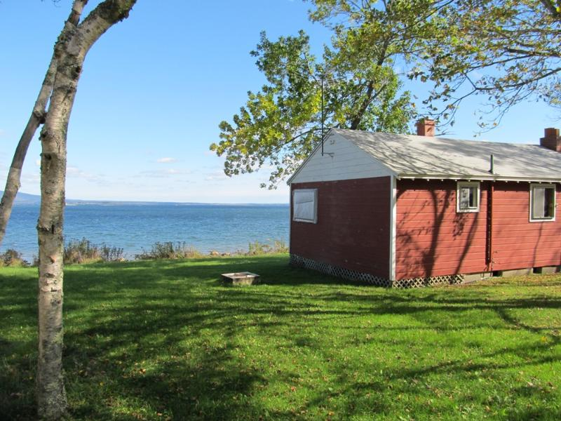 Cozy cottage with views. - Red Cottage - Brooklin - rentals