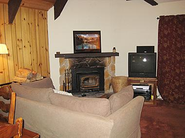 Living Room - Mammoth View Villas - MVV46 - Mammoth Lakes - rentals