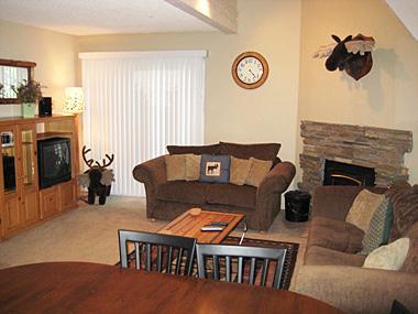 Living Room - Mammoth View Villas - MVV24 - Mammoth Lakes - rentals