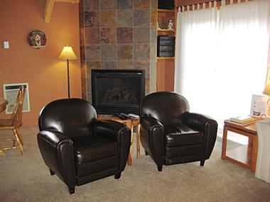 Living Room - Mammoth View Villas - MVV03 - Mammoth Lakes - rentals