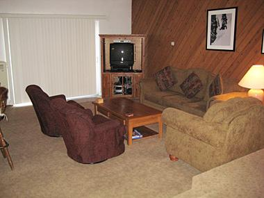 Living Room - Meadowview Ridge - MVR03 - Mammoth Lakes - rentals