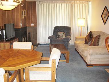 Living Room - Crestview - CV029 - Mammoth Lakes - rentals